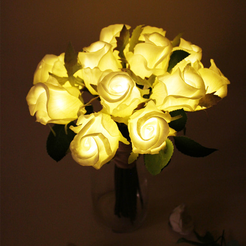 Tiny Rose LED Bouquet WH