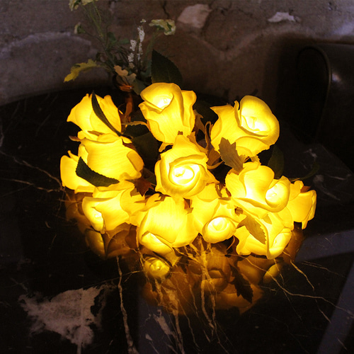 Tiny Rose LED Bouquet YE